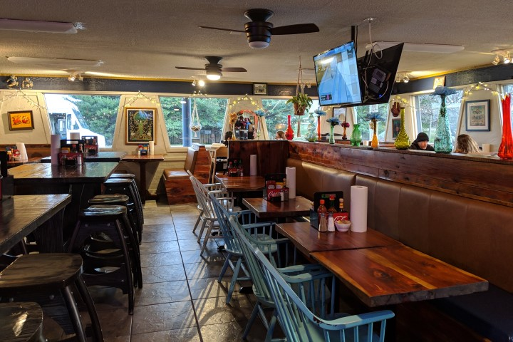 Nadeen's Hermitage Haven: Redefining Diners in Greater-Nashville
